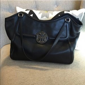 Tory Burch Amanda Shoulder Bag